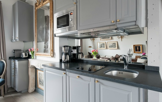 Cremant-de-Bourgogne-Paris-Studio-Kitchen