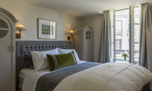 Haute Hotels:: 25 Place Dauphine