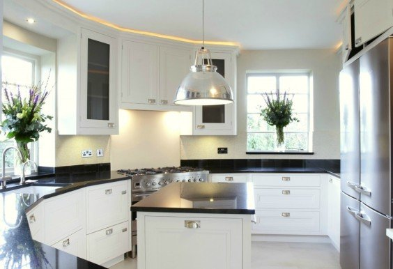 Attirant In Keeping The Art Deco Era, This Modern Black And White British Bespoke  Kitchen Nods