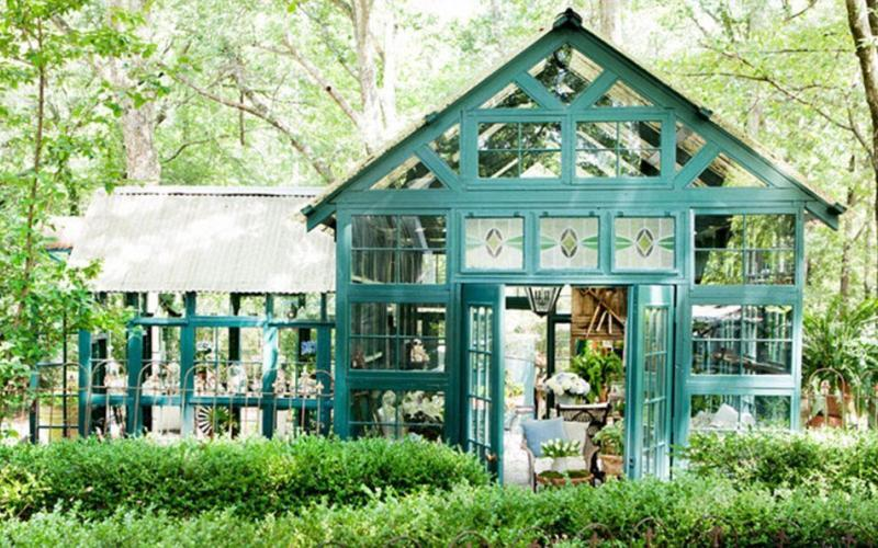 """""""Chic Sheds"""" :: The Ace Look of the Week"""