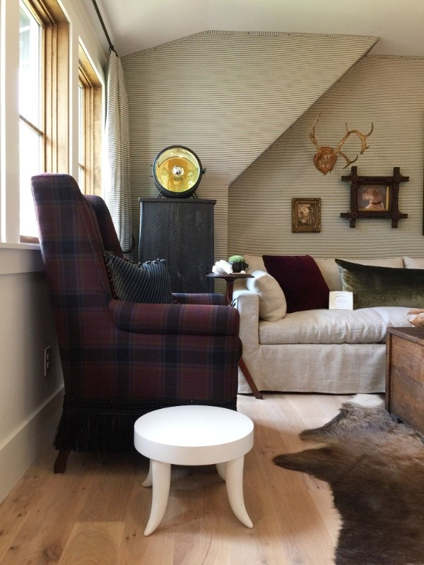 Decorating Small Spaces Like the Pros, #dens #showhouses #fabricwallpaper #mancaves