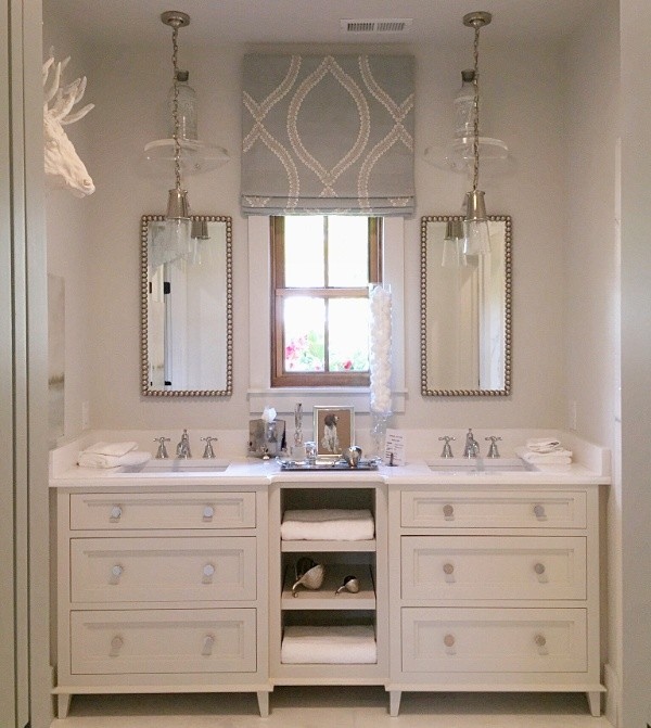 How to Decorate Small Spaces Like the Pros, #whitebathrooms #transitionalbathrooms #showhouses #bathroomideas