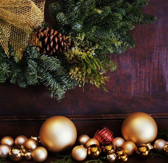 6 Simple And Beautiful Last Minute Holiday Decorating Ideas #christmas #christmasdecor #holidaydecorating